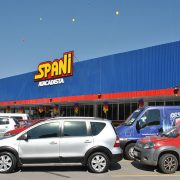 Com grande público, Spani inaugura segunda loja em Itaquá
