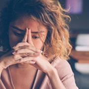 Sentimentos depressivos estão entre os impactos do isolamento social