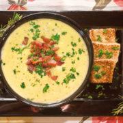 Creme de batata com bacon e queijo gruyère, com toque de curry
