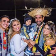 Casamento Caipira comemora o aniversário de Alexandra Almeida