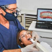 Implantes com função imediata e cirurgia guiada por computador
